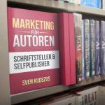 Autorenbuch im Regal